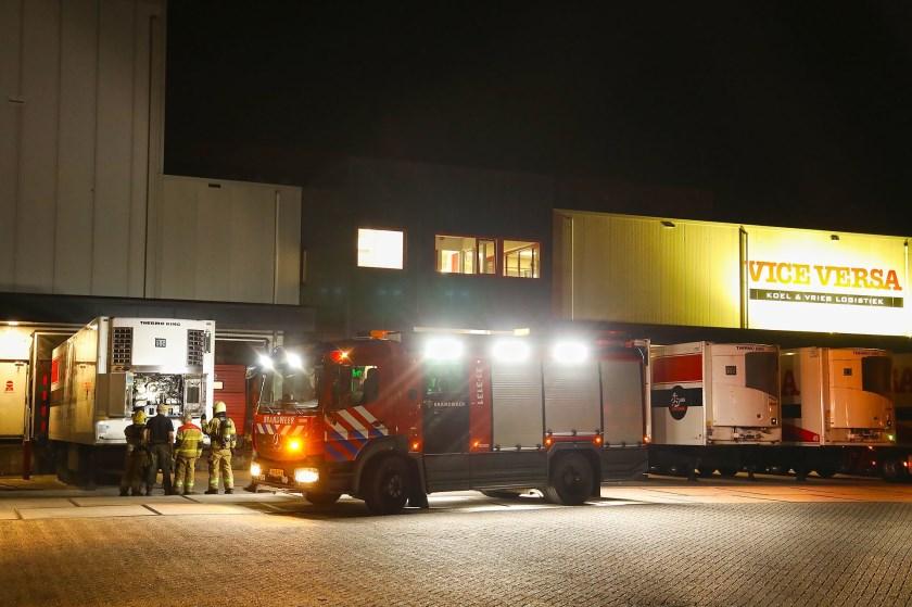 Brandweer opgeroepen voor brand koelmotor. (Foto: Gabor Heeres / Foto Mallo)