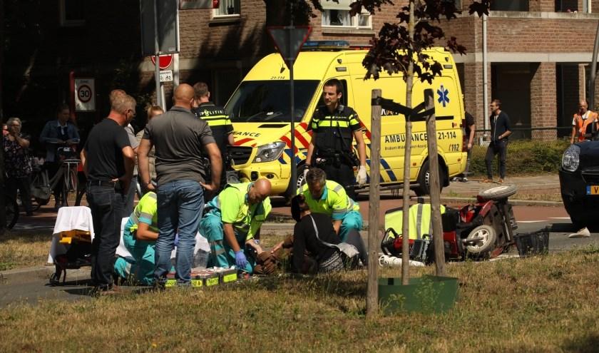 Bestuurder scootmobiel gewond bij ongeval in Oss. (Foto: Gabor Heeres / Foto Mallo)