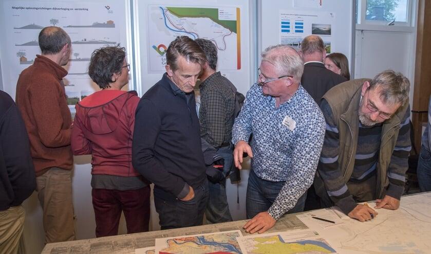 Informatieavond van het Waterschap Limburg over de Lob van Gennep in het Gemeenschapshuis in Milsbeek.