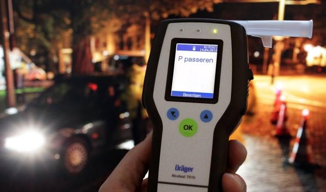 OEFFELT | De politie heeft donderdagochtend een automobilist aan de kant gezet op de Cuijkseweg in Oeffelt.