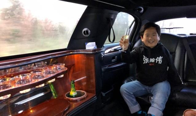 Hong Jie in  de Limousine