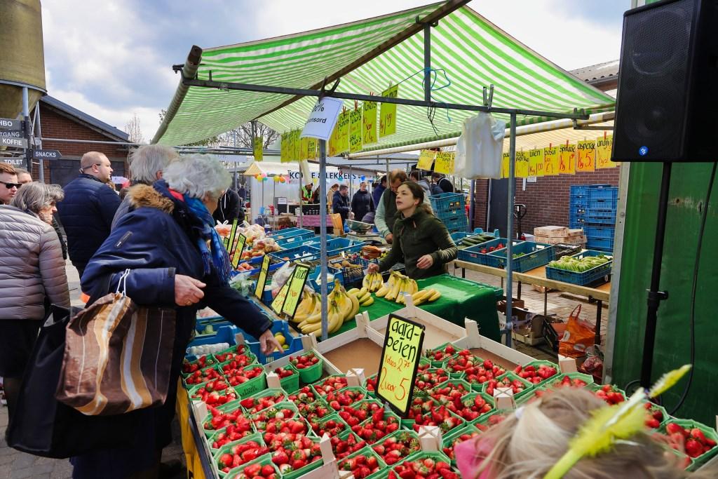 Verse groenten en fruit was er ook.  © Graficelly B.V.