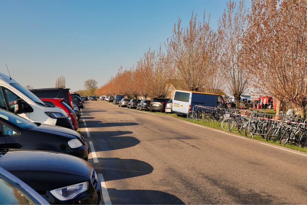 Parkeren en fietsenstalling langs de Groendijck  © Graficelly B.V.