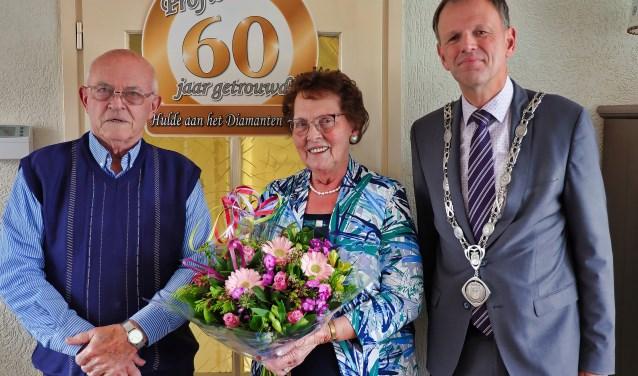 Visserijverleden voor diamanten huwelijkspaar Corrie en Leen Rog - Kijk op Bodegraven-Reeuwijk