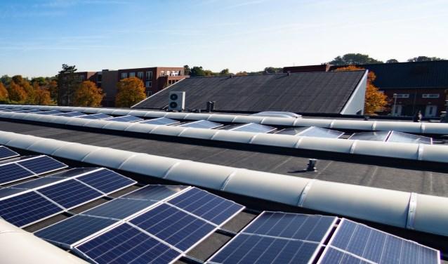 In het gehele pand zijn ook 215 armaturen vervangen voor ledverlichting, dat moet leiden tot een energiebesparing van 17.000 kWh.
