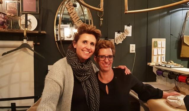 Zussen Liesbeth en Lida van Oost-West Lifestyle.