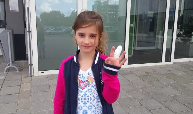 De zesjarige Laura uit Bergschenhoek sneed zichzelf in de vingers. Boosdoener: rondzwervend glas!