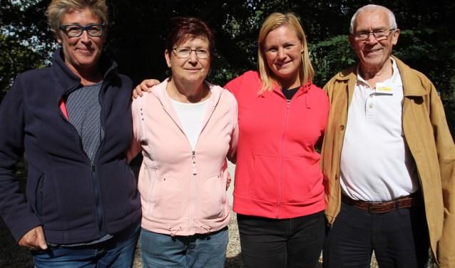 Ria en Anton Schrama met hun dochters Astrid (links) en Leonie.