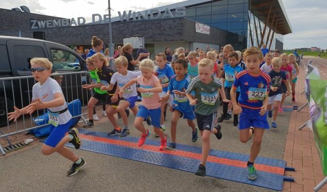 De kids run: 1,8 kilometer álles geven. (Foto's: Astrid Nielsen)
