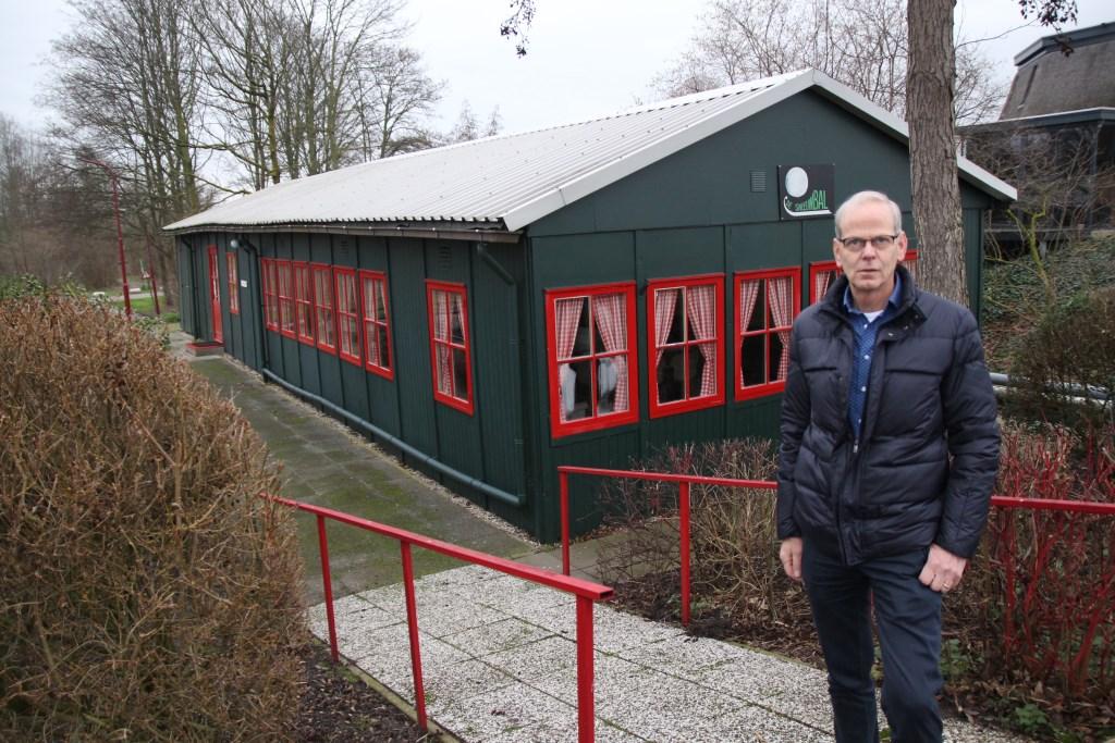 Henk bij clubhuis De Sneeuwbal.   © hartvanlansingerland