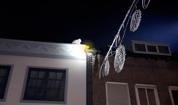 Inbrekers op het dak. (Foto: politie Oss/Weekblad Regio Oss)
