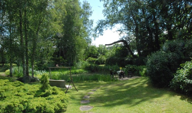 Lekker kijken in acht mooie tuinen de schakel albrandswaard for Mooie tuinen kijken