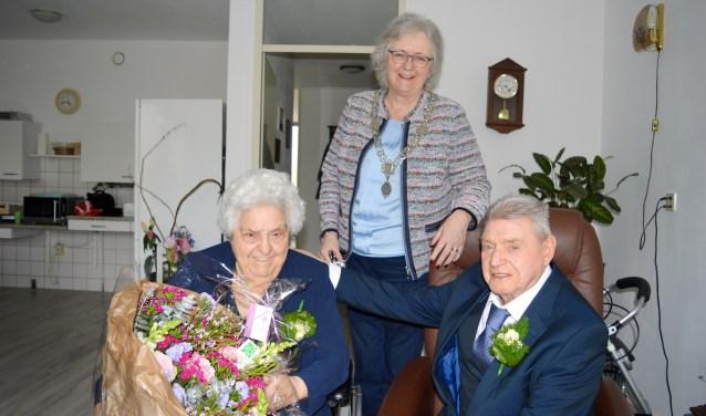 Felicitaties van de burgemeester voor het echtpaar De Man