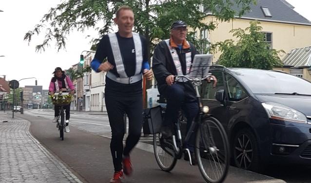 De 71-jarige Koos Wijnties (rechts) deed voor de vierde keer mee.