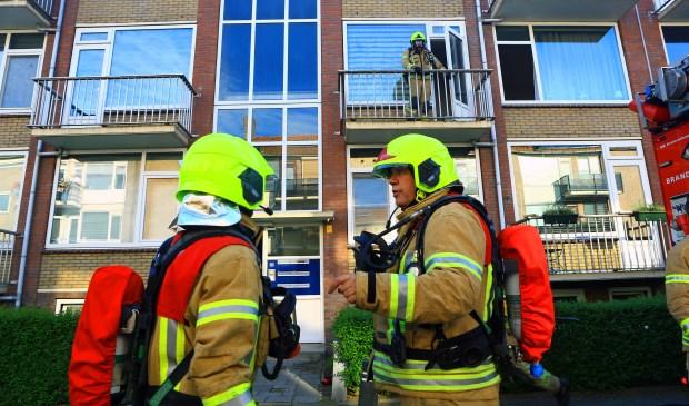 De brandweer was met veel materieel ter plaatse (foto Dennis van Wingerden - fotograaf Brandweer Ridderkerk)