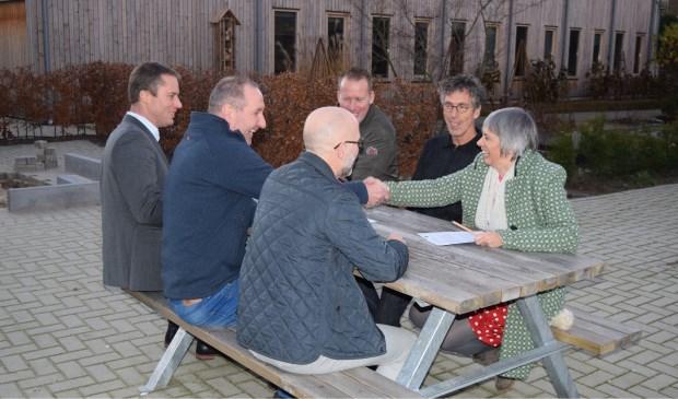 groenhorst velp en omwonenden ondertekenen convenant | arnhemse koerier