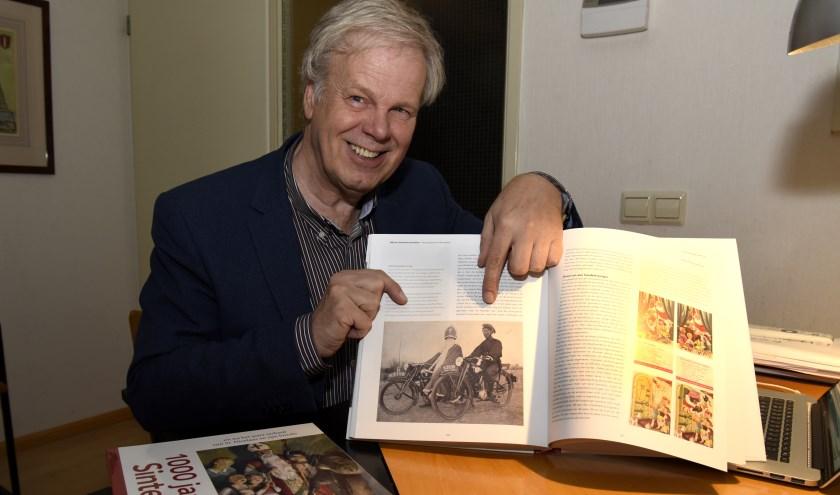 Hans Kreuger hoopt dat met het boek '1000 jaar Sinterklaas' een abrupt einde komt aan de, in zijn ogen, onzinnige Zwarte Piet discussie. Foto: Marianka Peters