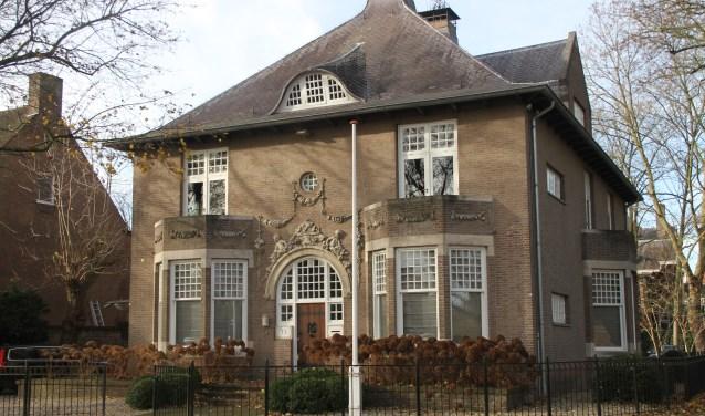 Het rijksmonument Van der Does de Willeboissingel 13, gezien vanaf de Mariabrug. Foto en tekst: Ed Hupkens, Krieng Vrienden van Den Bosch