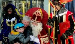 Sinterklaas bezocht winkelcentrum Maaswijk (Foto: Roel van Deursen).