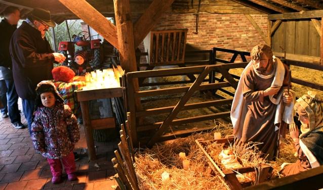 Kerstmarkt Zoo Nordhorn Met Kerststal Vol Dieren Nieuwe Dinkellander