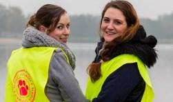 """Anouk de Vries en Naomi Cipriani-Booy: """"Net als vorig jaar kiezen we voor een relatief korte wandeling van 5 kilometer en een lange van ongeveer 10 kilometer."""" Foto: Harold Meerveld"""