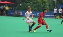 Justen Blok had op driejarige leeftijd al een stick in zijn handen. Dat betaalt zich uit. Hij speelt in Oranje onder 18. Foto: Paul Schouten