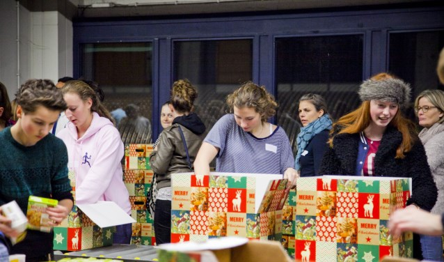 De organisatie van de Kerstpakkettenactie wil  wil tijdens de kerstperiode liefde uitdelen in de vorm van 1.750 kerstpakketten.