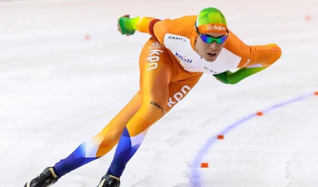 De Nederlandse schaatstop komt in actie tijdens de Eindhoven Trofee.