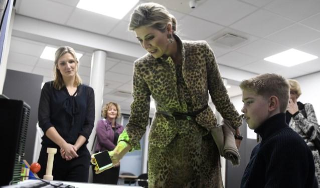 Koningin Máxima heeft dinsdag 22 november een werkbezoek gebracht aan Roessingh, Centrum voor Revalidatie en Roessingh Research and Development. Foto: Eric Brinkhorst