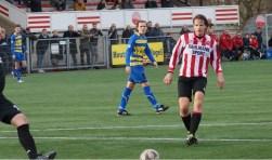 Patrick Klop van Alphense Boys aan de bal in de wedstrijd tegen Boshuizen.