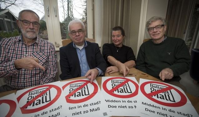 Johan van Alphen, Peter Pfeijffer, Dons Herfst en Rik Eppens strijden tegen HOM. (Foto: Ronald Stam)
