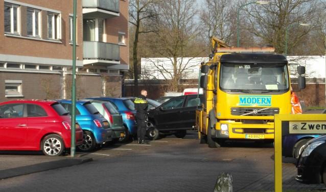 De politie heeft de gestolen wagens laten wegslepen. Foto: Lysette Verwegen