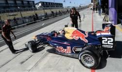 Na een bezoek aan de pits kon Verschoor zijn race als 18e vervolgen en wist na een fraaie inhaalrace nog op te rukken naar plaats twaalf. FOTO: PR KNAF Talent First