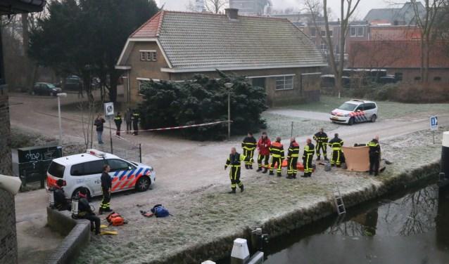 De man die te water raakte op de Reineveldbrug kon niet worden gered. Marvin Hake/District8