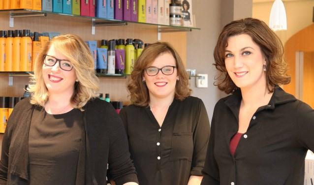 Team 'Hair & Style': (v.l.n.r.) Gabriëlle Wijnen, Daniëlle Blankestijn en eigenaar Shirley van Soest.