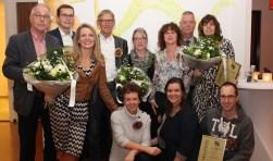 De vertegenwoordigers van de Coöperatieve Vereniging Dorp66 Polsbroek samen met de andere winnaars en wethouder Johan van Everdingen. FOTO: gemeente Lopik