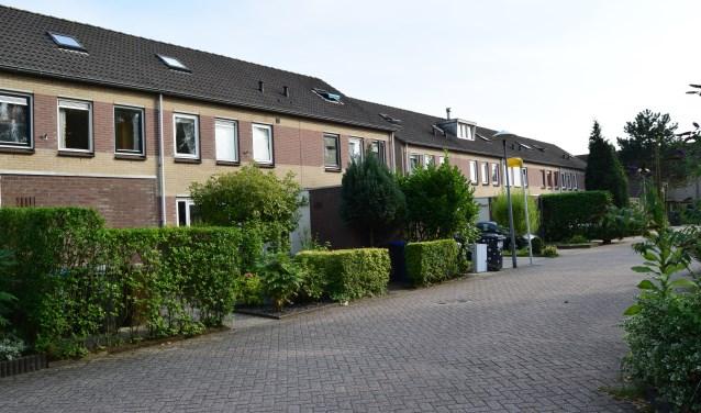 Mogelijke erfpachtwoningen in Overvecht, respectievelijk Lunetten. Foto: Bewonersgroep erfpacht-utrecht.nl. Tekst: Paul Hustinx