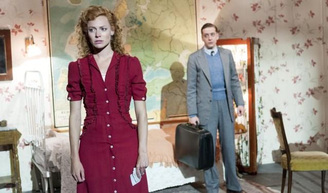 De Nijmeegse actrice Eva van der Post schittert sinds kort in de rol van Charlotte in de musical Soldaat van Oranje. (Foto: Joris van Bennekom)