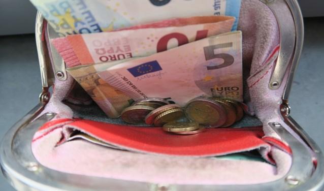 Bijschrift:    Automatische incasso voorkomt dat te veel geld wordt uitgegeven. (foto GvS)