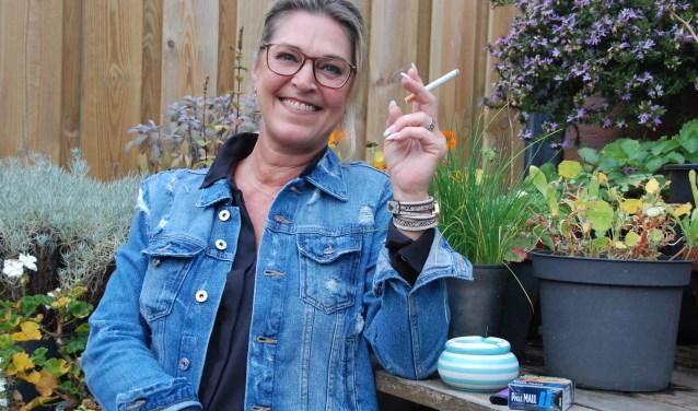 """Alexandra Slotboom heeft al veel pogingen gedaan om te stoppen met roken. """"Ik rook al vanaf mijn twintigste, ben al tig keer gestopt en evenzoveel keer weer begonnen."""""""