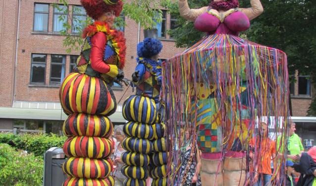 Op 28 oktober vanaf 12.00 uur zal Zeist op stelten plaatsvinden met onder meer de Kinderkaravaan en diverse steltlopersshows.