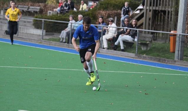 Maarten Kievits in actie. Hij verloor met zijn ploeg met 4-2 van Civicum.