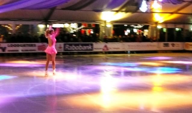 Amber IJsselstein opende in december 2013 de laatste editie van de ijsbaan. (archieffoto en tekst GvS)