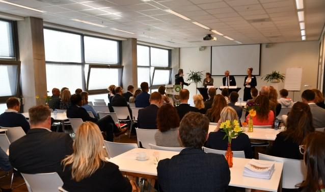 Vertegenwoordigers van werkgevers, werknemers, onderwijs en overheid gingen met elkaar in gesprek.