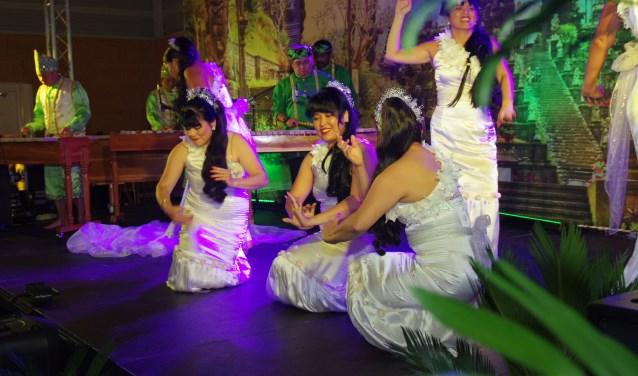 In de Bali Hal en Java Hal treedt een scala aan artiesten op en kan er worden gedanst. Vorig jaar bezochten 3500 bezoekers Sportcomplex De Sypel. Eigen foto