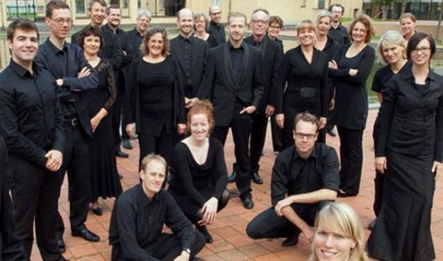Het Haags Vocaal Ensemble wordt samengesteld uit goede amateur-zangers en (aankomende) professionals.