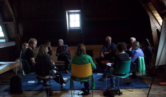 Merlijn hoorde vier jaar geleden enthousiaste verhalen van zijn ouders over de dialoog en gaf zich op voor de training tot gespreksleider van Tilburg in Dialoog.