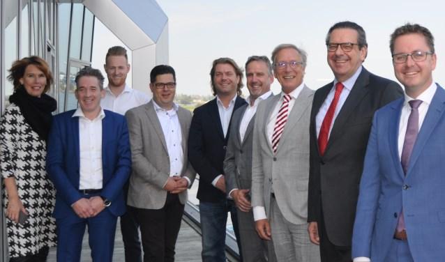 Bert Pauli (tweede van rechts) was in Werkendam op uitnodiging van Yves de Boer.