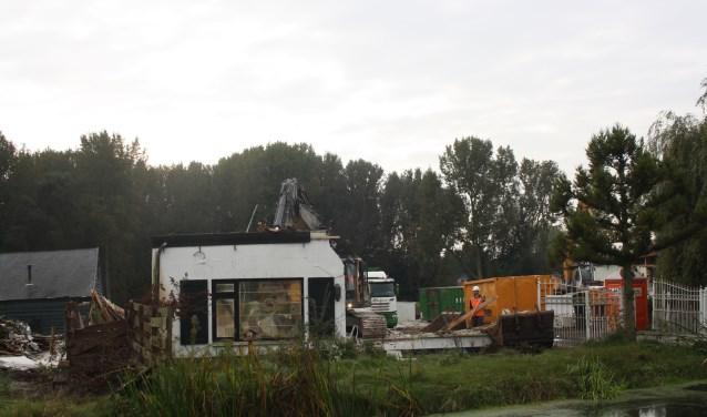 Om de A13/16 aan te kunnen leggen, is het noodzakelijk het (werk)gebied vrij te maken, meldt Rijkswaterstaat.      Beeld: GvL.