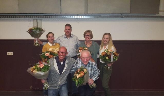 De jubilarissen van D'n Uutlaot. Op de foto ontbreken Bianca Verhoeven en Sven Cornelissen. (Eigen foto)